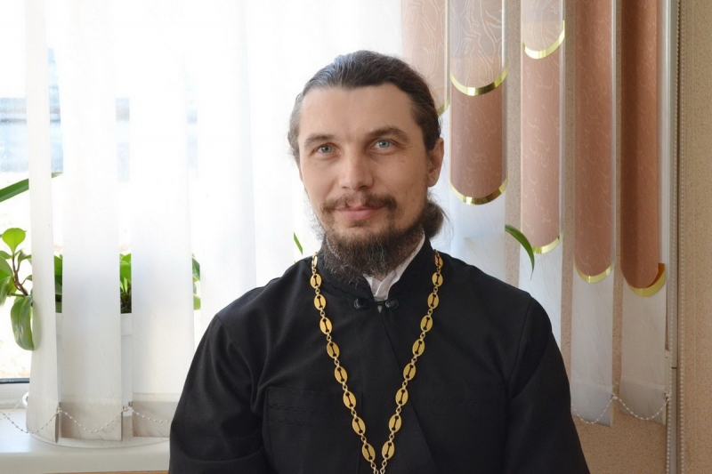 Протоиерей Олег Шевчук расскажет на радио «Поморье» как противостоять проявлениям зла в мире