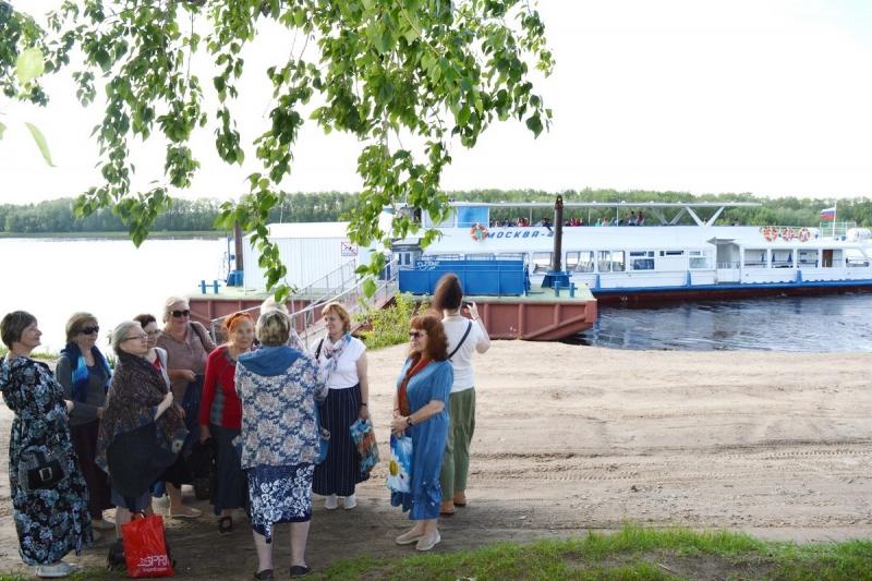 Паломники из Петербурга начали путешествие по Северу с острова в дельте Двины
