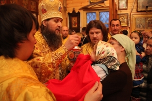 Митрополит Даниил совершил Божественную литургию в Новодвинске в праздник Обрезания Господня